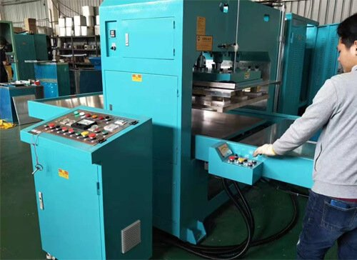 Left and right sliding table high frequency welding machine for medical treatment