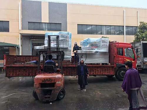 Plastic blister welding machine send to Sichuan