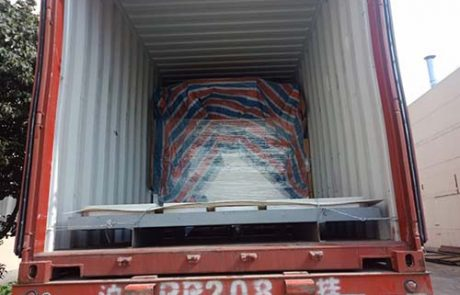 The machine is fixed by Steel cables inside the container
