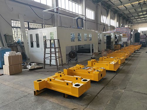 Thermoforming machine mold frame