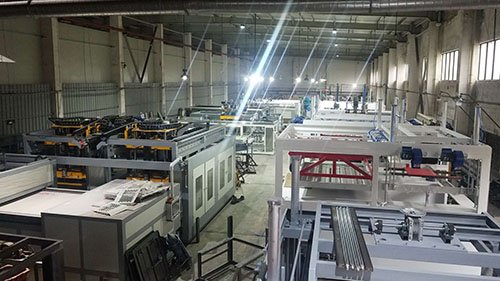 Thick and thin sheet thermforming machine workshop