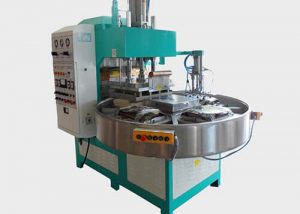 Turntable type high frequency fusing machine